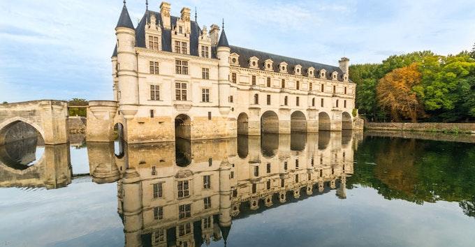 Visite Guidée des Châteaux de la Loire et Dégustation de vins au départ de Paris, Déjeuner inclus