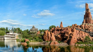 Disneyland® Paris + TransportationMin. Particip : 2  |  book 20 days early