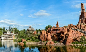 Disneyland® Paris + TransportationMin. Particip : 2  |  book 20 days early