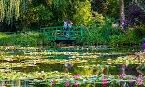 Giverny Monet's Gardens Audio Guided Tour from Paris | Lunch included