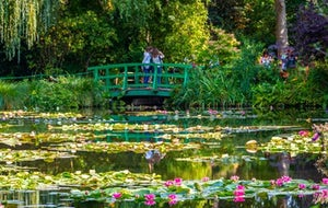 Half-Day Excursion to Giverny Monet's House and Gardens from Paris
