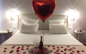 In Room - Paris Romantic Surprises