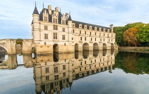 Loire Valley Chateaux and Wine Tasting, from Paris