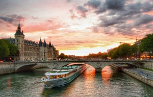 1-hour Cruise on the Seine River | Bateaux ParisiensE-Ticket