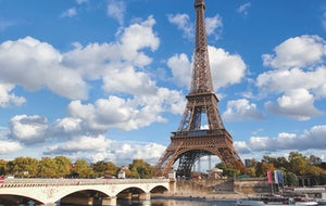 1-hour Cruise on the Seine River | Vedettes de Paris Option : with Glass of Champagne